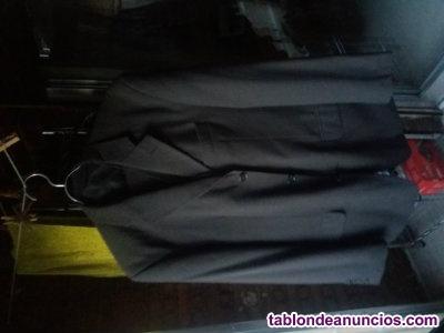 Vendo traje de hombre de raya diplomática