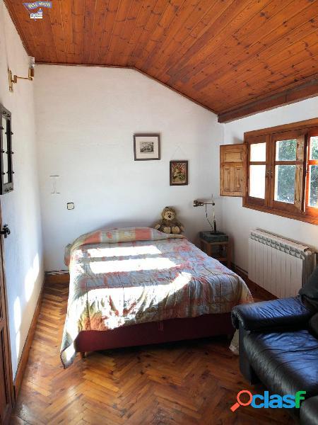 Casa Rustica de 220 m2, 5 hab, 2 baños en parcela de 600 m2