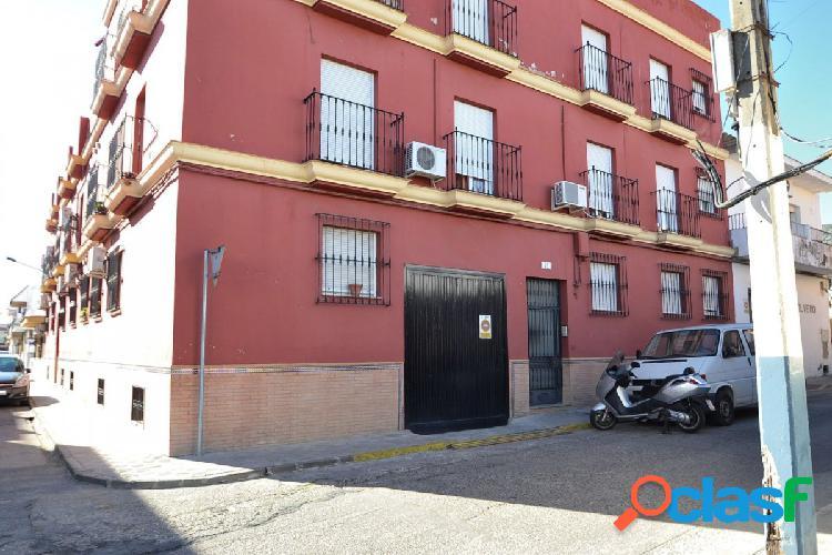 Garaje en venta en el centro de Camas, Sevilla