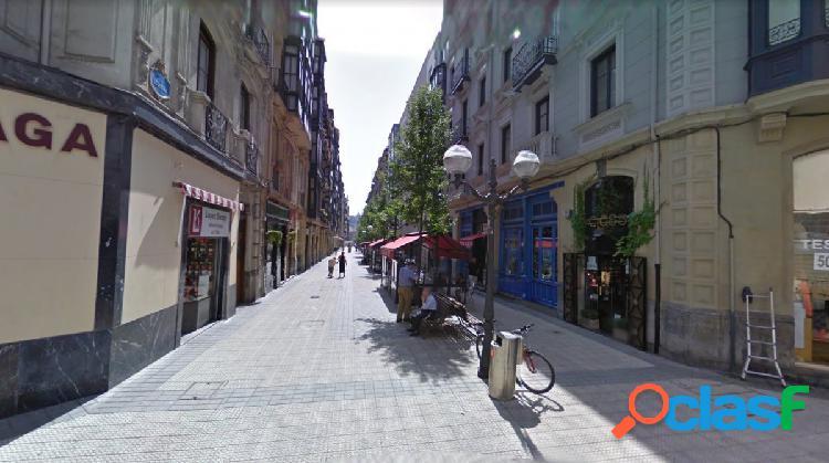 Local comercial en calle Ledesma