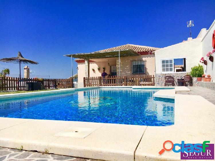 Magnífico chalet con piscina en San Ambrosio