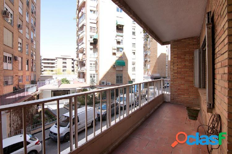 OPORTUNIDAD!!! Gran piso de 4 dormitorios en Calle Las
