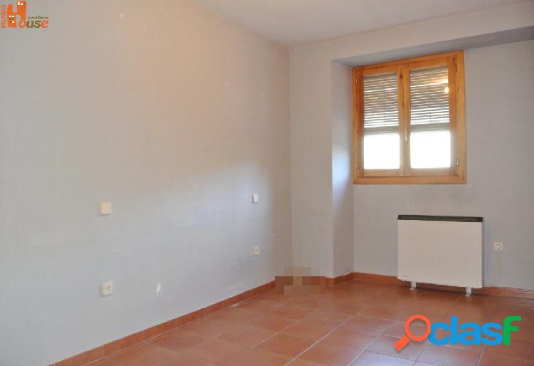 Piso 2 dormitorios en venta en el centro de San Ildefonso