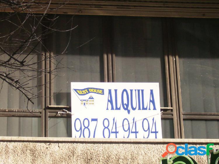 Piso en alquiler en el centro de León.