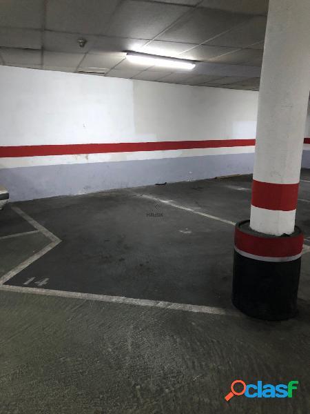 Plaza de garaje grande en Plaza Cataluña
