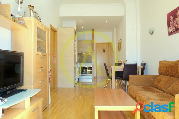 Precioso piso seminuevo. Zona Pere Parres
