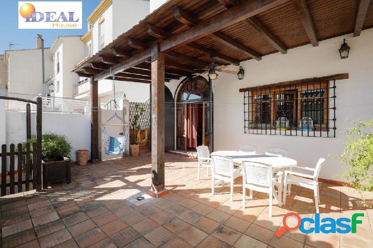 Ref: A4326J6. Magnífica casa en Cenes de la Vega. Vistas