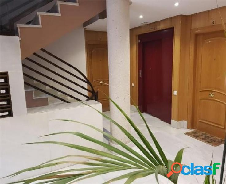 Se alquila piso en Avenida Juan Carlos I, Murcia