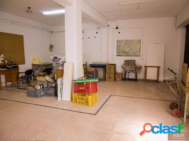 Se vende local comercial en Zona Rocafort. / HH Asesores,