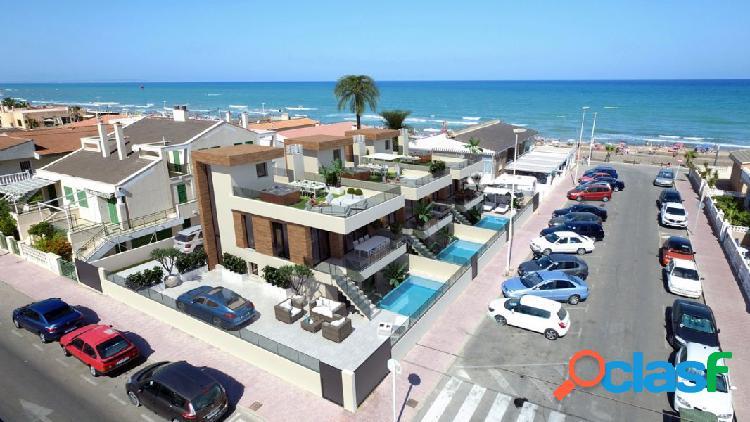 Villas de lujo con vistas al mar en el pueblo de La Mata