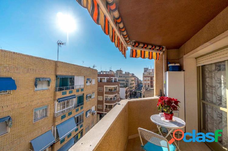 Apartamento en ultima planta en el centro de Torrevieja