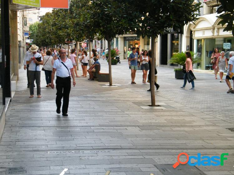 ¡¡¡LOCAL COMERCIAL EN PLENO CENTRO DE CÓRDOBA CAPITAL!!!