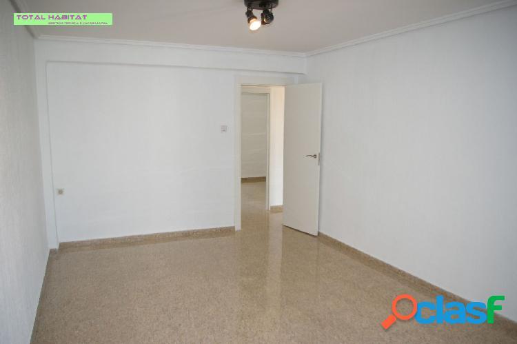 Ref: 00353 Se ALQUILA piso en barrio Patraix, junto Hospital