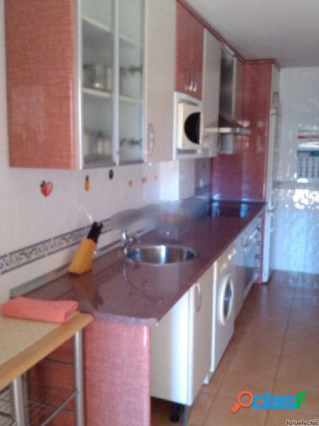 Urbis te ofrece un precioso piso en Villares de la Reina