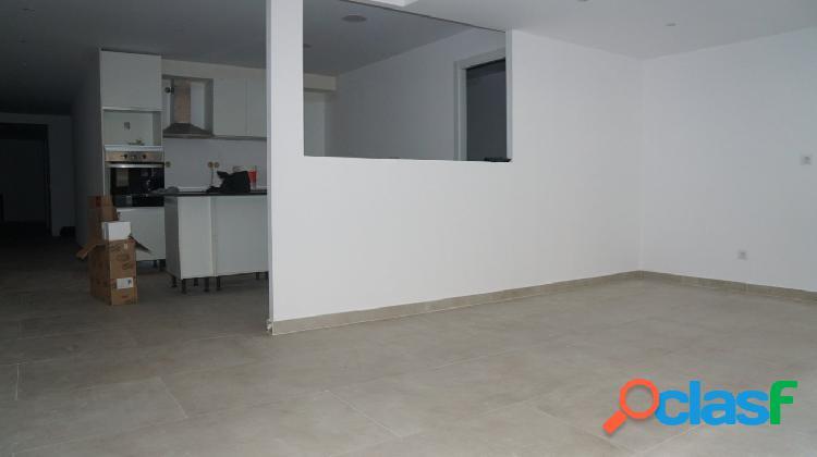 Apartamento de 130m2 nuevo a estrenar en el centro d'