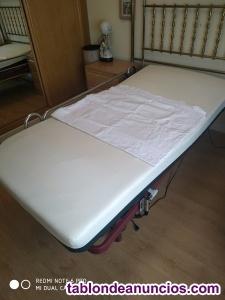 Cama articulada eléctrica con colchón antiescaras