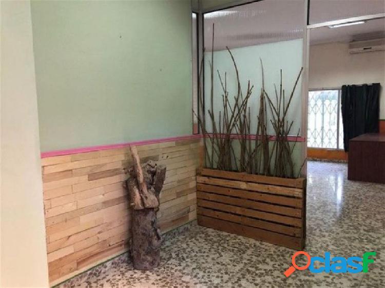 Local comercial de 56 m2 en la Barriada de Los Corazones