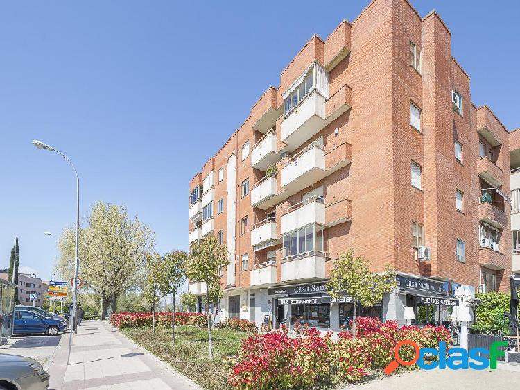 Piso en venta de 95 m2 en Calle Marqués de la Valdavia,