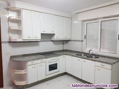 Electrodomésticos con muebles de cocina