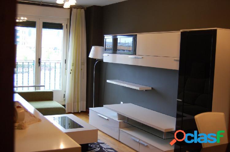 Se alquila espectacular piso en La Cistérniga.