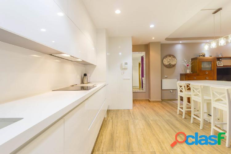 Se alquila piso reformado en zona Carrefour