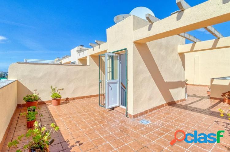 ático con terraza de 3 hab 2 baños en Isla Cristina muy