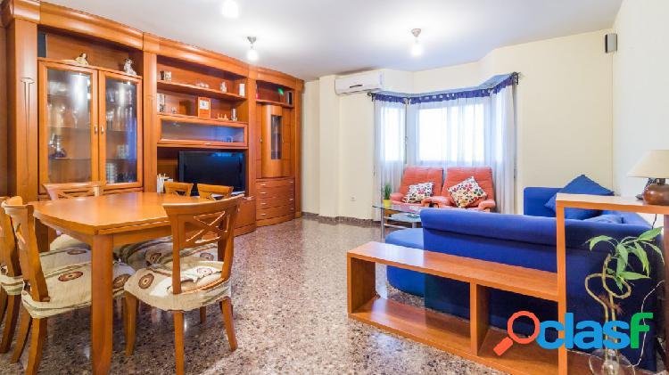 ¡Piso de 3 habitaciones en alquiler en Alfafar!