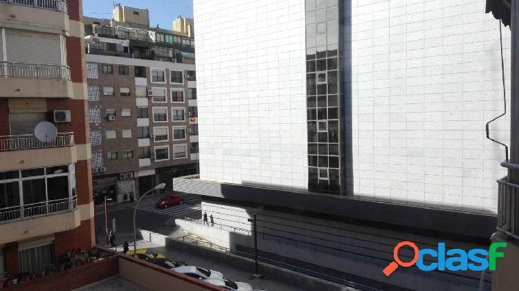 Preciosa vivienda en pleno centro de Alicante junto al Corte