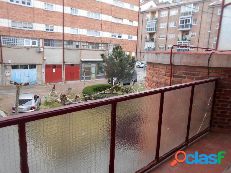 Se vende piso en el barrio del Carmen