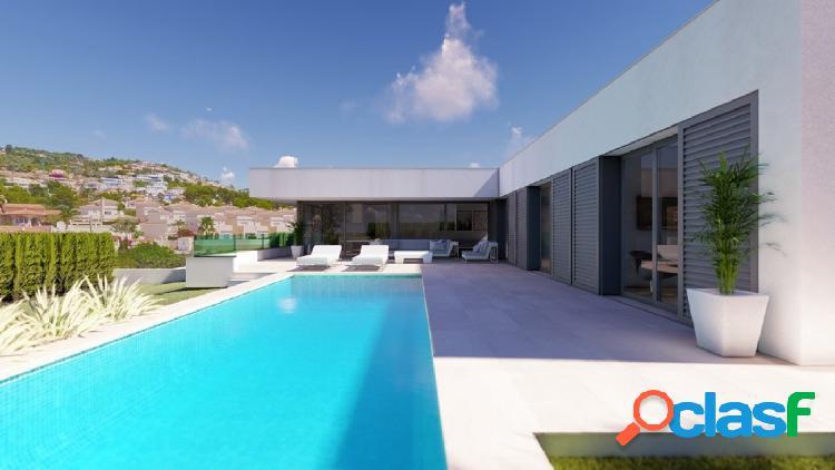 Villa moderna con piscina y vistas al mar en venta en Calpe