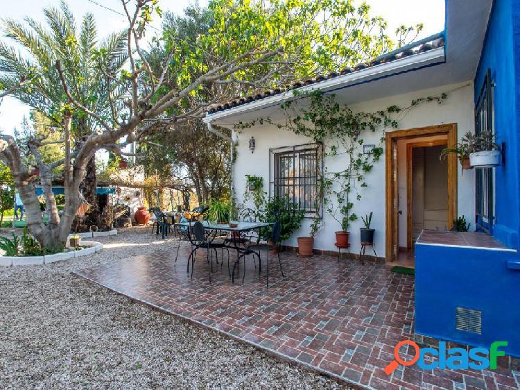 Casa con terreno y piscina en La Hijuela (Molina de Segura)