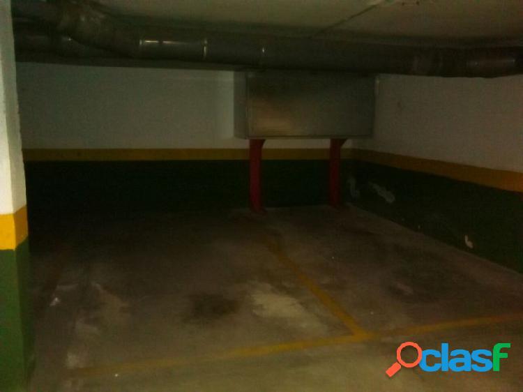 Se vende garaje en la zona de huerta pley.