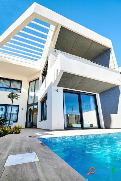Villas a 300 metros del Mar Mediterráneo