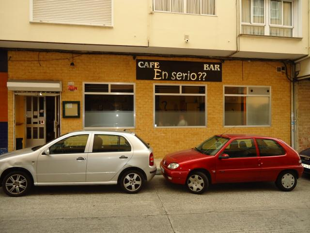 se vende un local dedicado a cafe bar bien situado,en zona