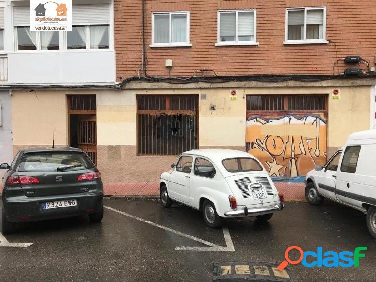 Amplio Local comercial en muy buena zona de paso - Alcalá