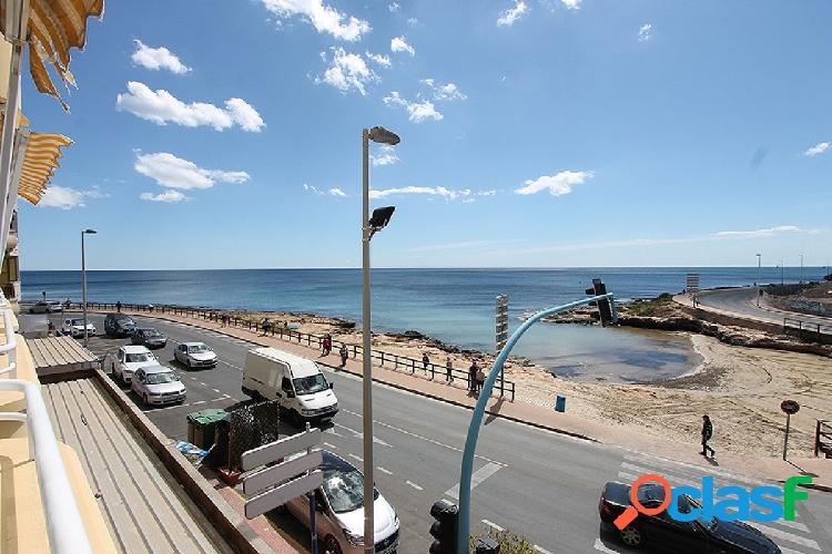 Apartamento en la primera linea de la playa en Torrevieja.