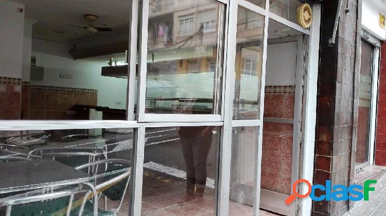 BAR CAFETERIA, EN ALQUILER CON OPCION DE VENTA.TIENE AIRE