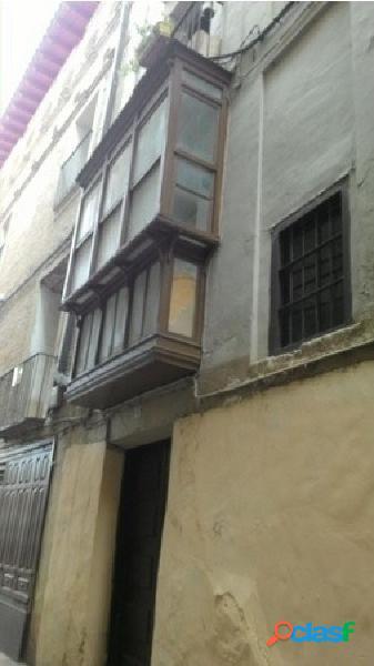 Se vende piso para reformar o hacer apartamentos, centro