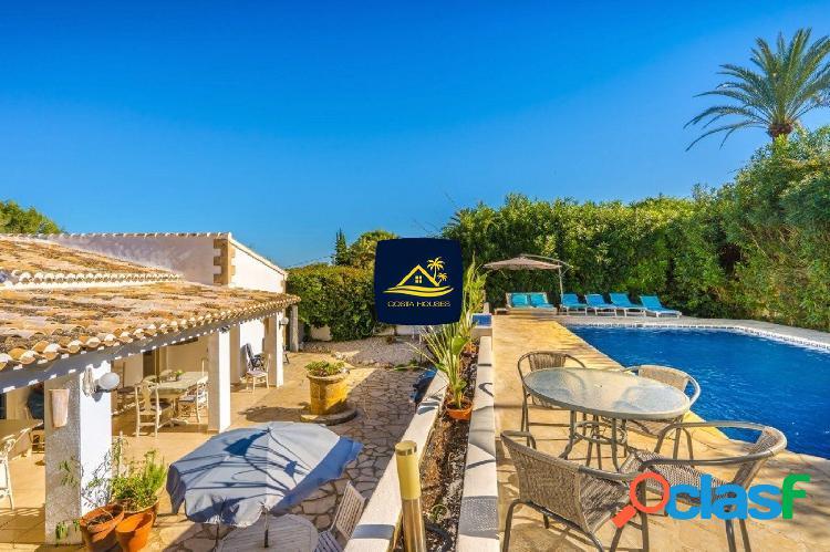 Autentica Villa Mediterránea en Javea · CAP MARTI |