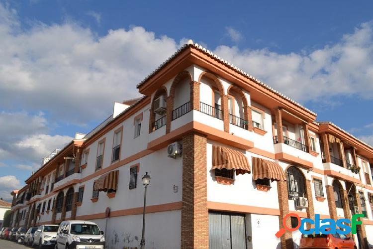 Precioso ático en La Zubia, con vistas a la Vega y