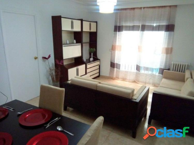 Urbis te ofrece un fantástico piso en la zona de