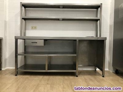 Vendo lote 2 mesas de trabajo con utensilios cocina