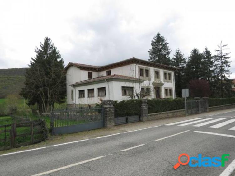 Casa unifamiliar en Valle de Ulzama, en jardín de 2020m2
