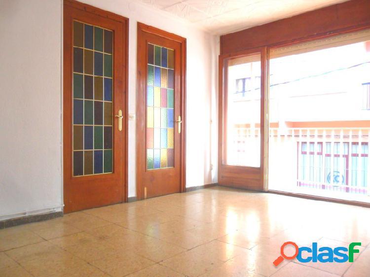 Oportunidad: En Poblenou, casa de pueblo de 2 plantas con