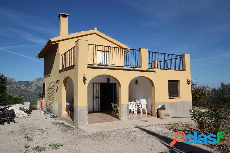 Casa de campo a la venta en Vall de Laguar en una zona