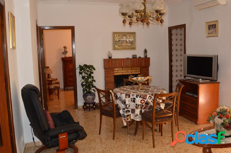 Casa tipo duplex con encanto a la venta en Benisuera