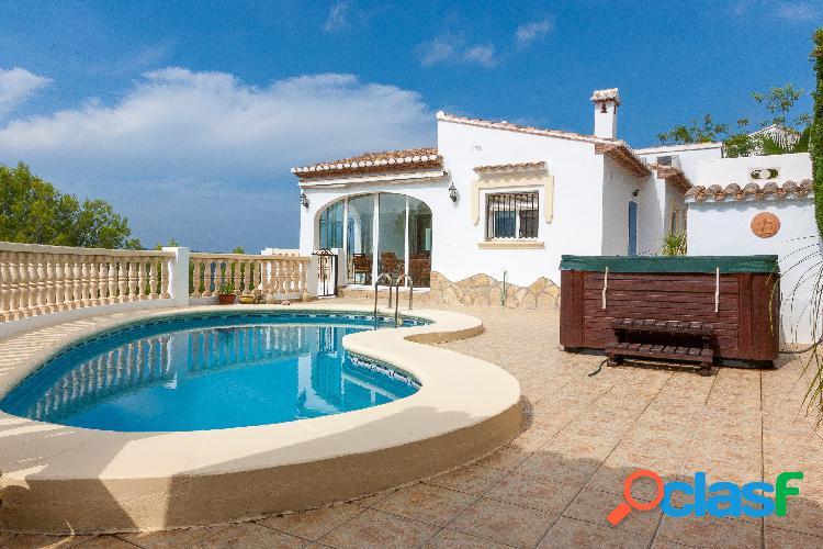 Chalet con muy buenas vistas a la venta en Orba, Alicante.