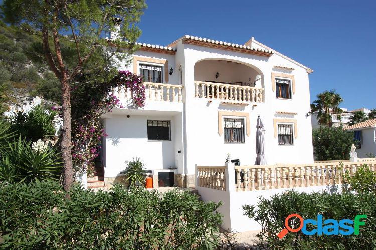 Chalet de 4 dormitorios en venta cerca Tormos, Alicante,