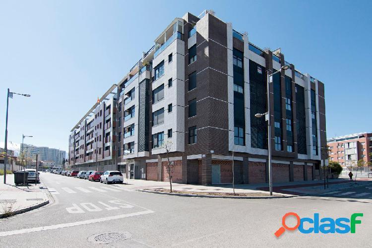 ¿Desea vivir en un piso nuevo junto campus de la salud/PTS