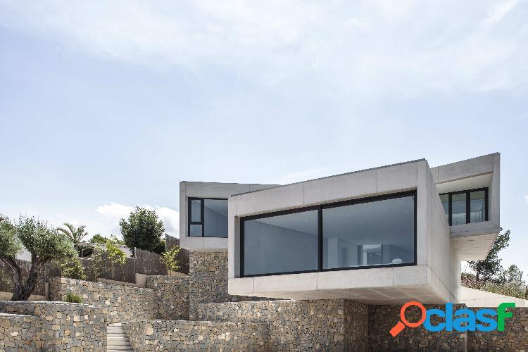 Espectacular chalet de diseño minimalista en venta en Orba.